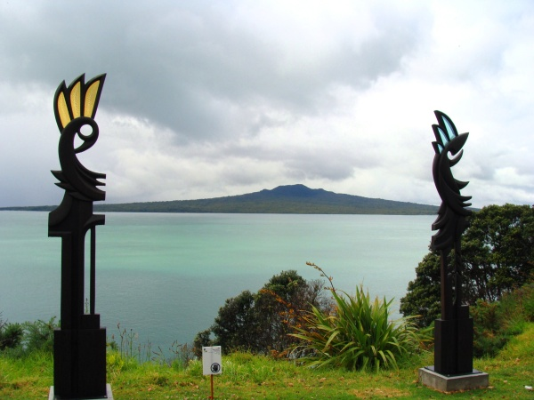 Karen Walters, From the Earth and From the Sky, 2010. Framing Rangitoto Island, Auckland's newest and most iconic volcano. Photo: Su Leslie, 2010.