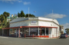 Gallery and cafe in the picturesque little town of Rawene, NZ. Image: Su Leslie 2019